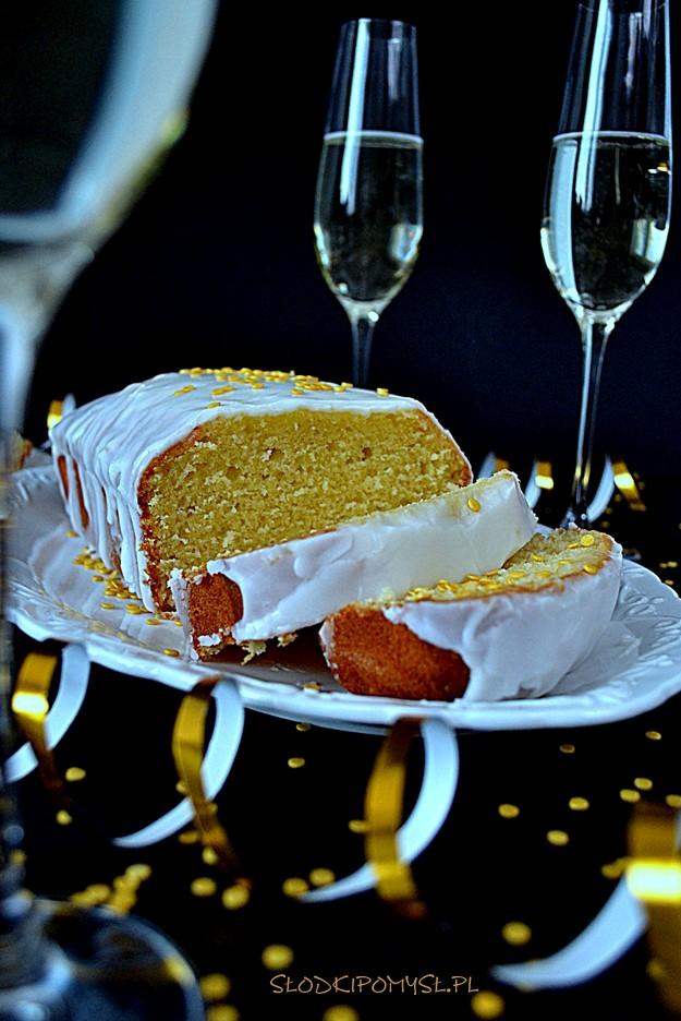 babka z szampanem, babka szampańska, ciasto ucierane, ciasto z szampanem