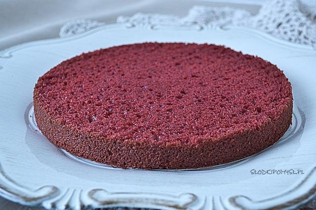 red velvet cake, ciasto red velvet, czerwone ciasto, barwnik czerwony,