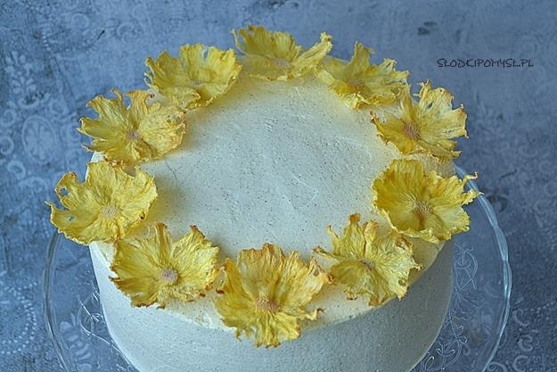 tort cynamonowy, tort cynamonowy z ananasem,
