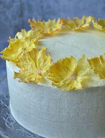 tort cynamonowy, tort cynamonowy z ananasem, ananasy, cynamon, krem cynamonowy, frużelina ananasowa