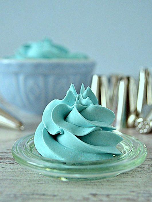 krem maślany na bezie szwajcarskiej, swiss meringue buttercream, krem maślany na bezie, krem maślany, krem do dekoracji