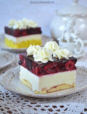 ciasto z kaszą manną, ciasto z owocami i galaretką, ciasto z masą grysikową, ciasto z jagodami,