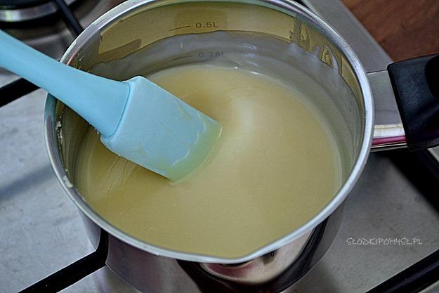 krem rafaello, krem rafaello do tortu, krem kokosowy z migdałami, krem kokosowy, krem do tortu, wiórki kokosowe, migdały, mleko kokosowe, śmietanka kokosowa,