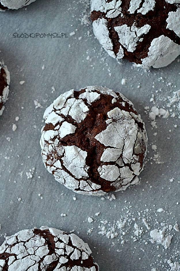 popękane ciasteczka czekoladowe, popękane ciasteczka, chocolate crinkles, ciasteczka z czekoladą, ciasteczka z cukrem pudrem