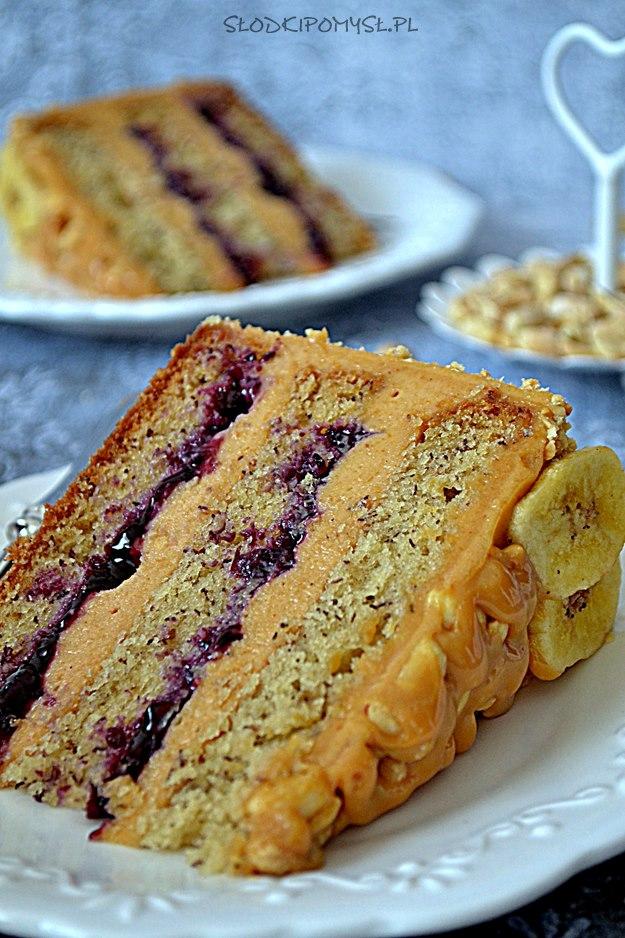 tort bananowy z masłem orzechowym, tort bananowy, tort z masłem orzechowym, masło orzechowe, banany, kajmak, konfitura, orzeszki ziemne
