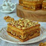 ciasto snikers, ciasto miodowe z orzechami, ciasto z kajmakiem, ciasto kruche, masa krówkowa, orzechy włoskie,
