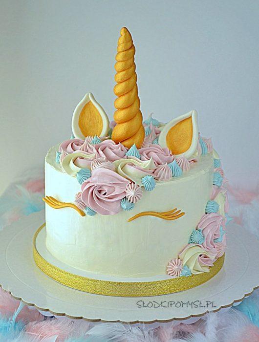 tort jednorożec, unicorn cake, tort dla dziecka, tort z rogami i uszami, tort urodzinowy, krem oreo, mus wiśniowy, tort z grzywą,