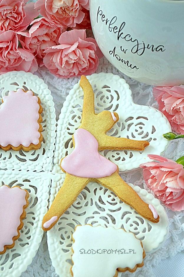 ciasteczka dla baletnicy, ciastka dla baletnicy, ciasteczka baletnica, maślane ciasteczka z miodem, ciasteczka z lukrem
