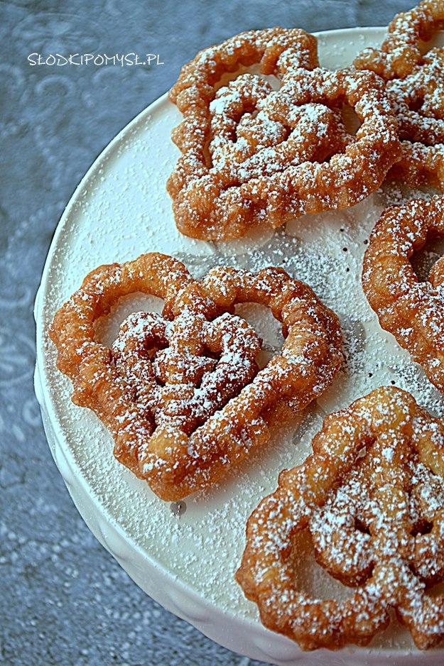 Ciasteczka smażone, Rozetki, smażone ciastka, ciasteczka smażone na oleju, skandynawskie smażone ciasteczka,