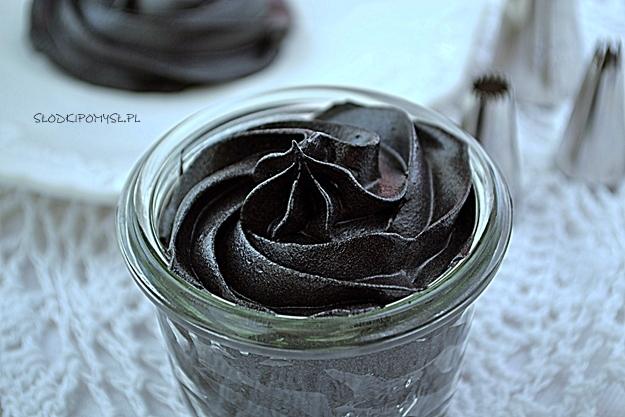 czarny krem do dekoracji, jak uzyskać czarny krem do dekoracji, czarny krem do tynkowania, jak zrobić czarny krem do dekoracji, czarny krem do tortu,