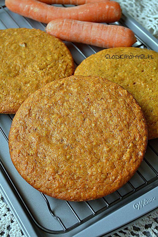 marchewkowe ciasto do tortu, ciasto marchewkowe, ciasto z marchewką, ciasto z migdałami, ciasto ze skórką pomarańczową,
